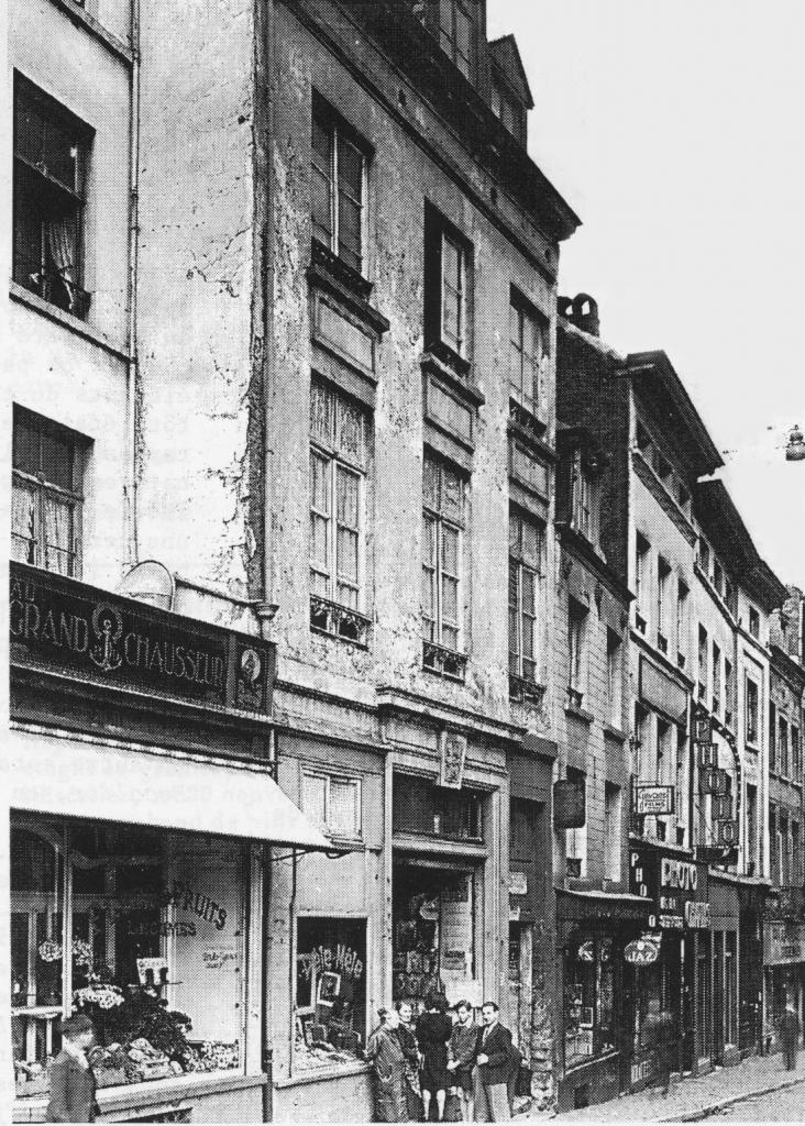 le tout premier p le m le avait ouvert ses portes en 1939 dans la rue de l escalier p le m le. Black Bedroom Furniture Sets. Home Design Ideas